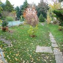 die Gartenwege wurden völlig neu gestaltet und als Sächsische Wegedecke ausgeführt