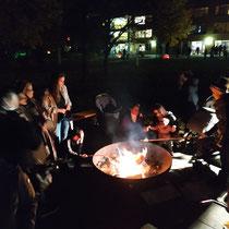 Bild: Eine gemütlich Feuer- und Grillstation