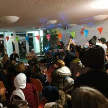 Bild: Das Publikum jubelt auf Habibi