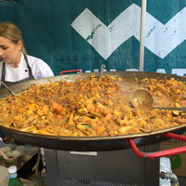 Will get this paella pan for my next party!