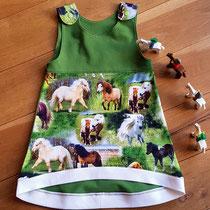 Pferdeliebe, Größe 92, Passe hinten Pferde, Rock grün, 30 €