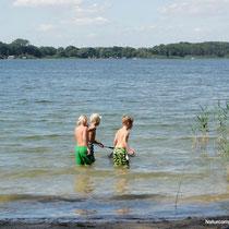 Badespaß für Wassernixen, kleine Angler und Schatz-Taucher © www.zweiseen.de