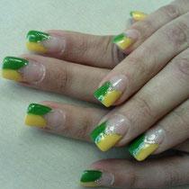 Uñas de Porcelana con los colores de Brasil