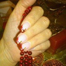 Uñas de Gel con decoración a la Francesa en rojo