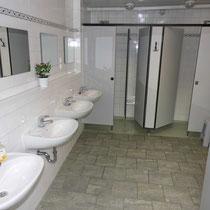 Wasch- und Duschraum Herren