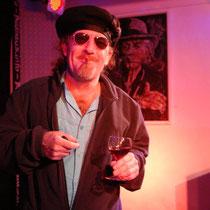 Gitarrist bei Djulia: Dr. Gavin West: Philosoph-Musiker-Lebenskünstler