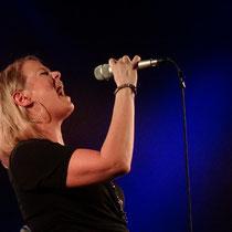 Bandchefin Tina Skolik