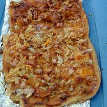 "Pizza ""Float"" - halt ohne Tomaten"