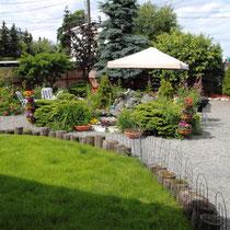 schöner Garten im Hinterhof