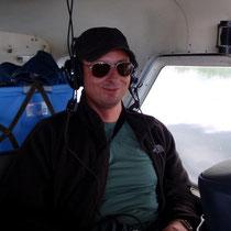 Urs Gerber im Flugzeug No2