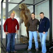 unser erster Grizz am Domestic Flughafen Anchorage