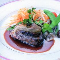 お肉料理は料理長の得意とするところ。広島牛をお楽しみください。