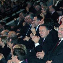 La tribune des soutiens de François Hollande, dont Thierry Braillard / Photo : Anik Couble