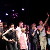 Tous les artistes sur la scène du Foot-Concert de Lyon, le 13/10/2012 © Anik COUBLE