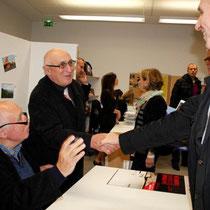 Raymond Depardon en séance de dédicace - Lyon - Novembre 2012 © Anik COUBLE