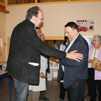 Jean-Pierre AMERIS en discussion avec Daniel  BONIFASSI / Photo : Anik COUBLE