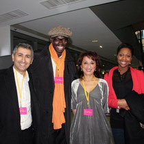 Farida BOUDAOUD,  entourée de Sylvère-Henry CISSE et Elé ASU de Canal + Photo © Anik COUBLE