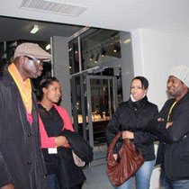 Sylvère-Henry CISSE et Elé ASU de Canal +, en discussion avec le rappeur ROST - Photo © Anik COUBLE
