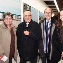 Jean Depardon, entouré de Cindy Mollaret et de son grand-père, Jean-Noël Ressicaud, adjoint à la mairie de Lyon 2e - Novembre 2012 © Anik COUBLE