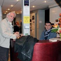 """Dominique LADOGE, président du jury et Teddy LUSSI-MODESTE, réalisateur de """"Jimmy Rivière"""" / Photo : Anik COUBLE"""