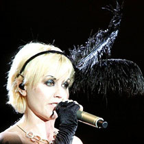 "Dolores, chanteuse du groupe ""The Cranberries"" à la Halle Tony Garnier de Lyon © Anik COUBLE"