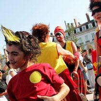 Défilé de la Biennale de la Danse 2012 - Lyon / Photo : Anik Couble