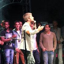Grégoire et tous les sportifs, sur la scène du Foot-Concert de Lyon, le 13/10/2012 © Anik COUBLE