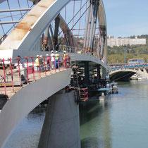 Installation du Pont Raymond Barre - Lyon - 03 Sept 2013 © Anik COUBLE