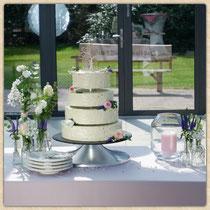 Buttercreme Torte mit Blumen