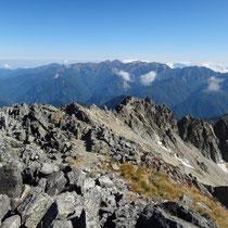 【剱岳山頂から】北方稜線 その向こうに白馬