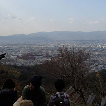 四つ辻から景色を眺め