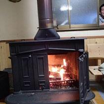 薪ストーブの暖かさがうれしい