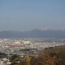 大岩山から景色を眺め