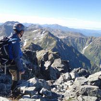本峰へ乗ると同時に広がる世界 別山・剱沢方面