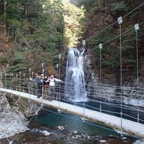 このコース最後の滝「堂倉滝」
