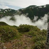 釈迦岳前衛から白山主峰群