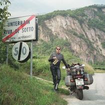 """Unterrain (italienisch: Riva di Sotto) (265 m)  46° 29' 24.936"""" N, 11° 15' 35.3592"""" O"""