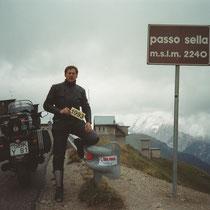 Sellajoch (italienisch Passo Sella) (2.240 m)  46° 30′ 31″ N, 11° 45′ 46″ O