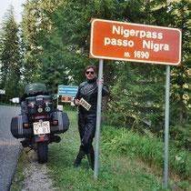 Nigerpass (italienisch Passo Nigra) (1.690 m) 46° 27′ 21″ N, 11° 35′ 9″ O