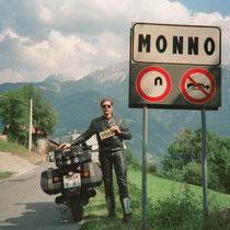 Monno (1.066 m)  46° 12′ 45″ N, 10° 20′ 8″ O
