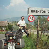 Brentonico (698 m)  45° 49′ 0″ N, 10° 57′ 0″ O
