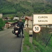 Graun (italienisch Curon Venosta) (1520 m)  46° 48′ N, 10° 33′ O