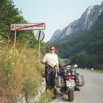 """Passo Pian delle Fugazze (1.163 m)  45° 45' 37.0008"""" N, 11° 10' 22.602"""" O"""