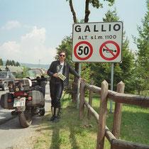 Gallio (1.093 m)  45° 53′ 0″ N, 11° 33′ 0″ O