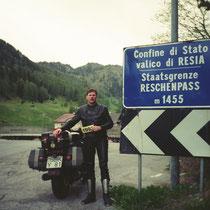 Reschenpass (italienisch Passo di Resia) (1455 m)  46° 50′ 45″ N, 10° 30′ 22″ O
