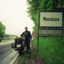 Mondsee (493 m) 47° 51′ 24″ N, 13° 21′ 6″ O