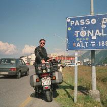 Tonalepass (italienisch: Passo del Tonale) (1.884 m) 46° 15′ 29″ N, 10° 34′ 51″ O