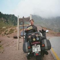 Manghenpass (ital: Passo Manghen) (2.042 m)  46° 10′ 31″ N, 11° 26′ 21″ O