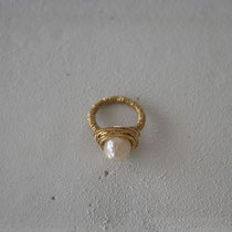 pearl/brass(gold) ring