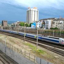 TGV procedente de París entrando en la estación Basel SBB